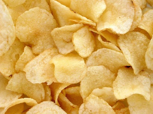 bramborové chipsy.jpg