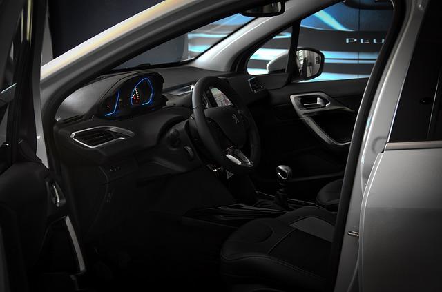 interiér vozu Peugeot