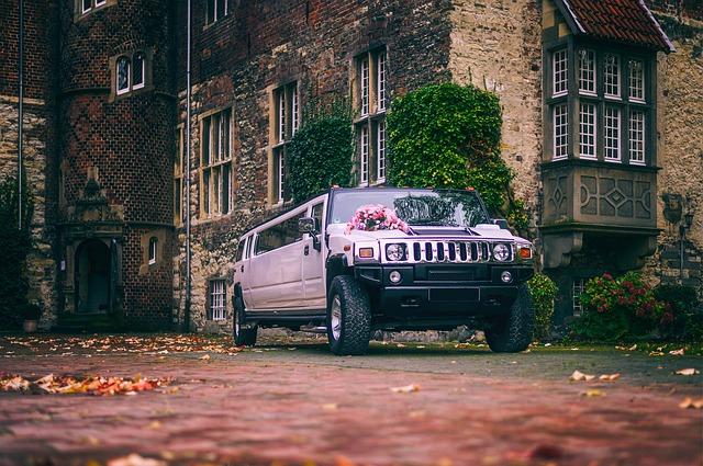 limuzína na svatbě